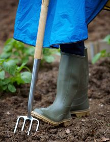 What To Consider When Selecting Proper Garden Boots
