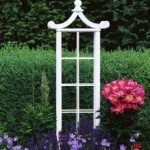 Garden Décor: The Trellis