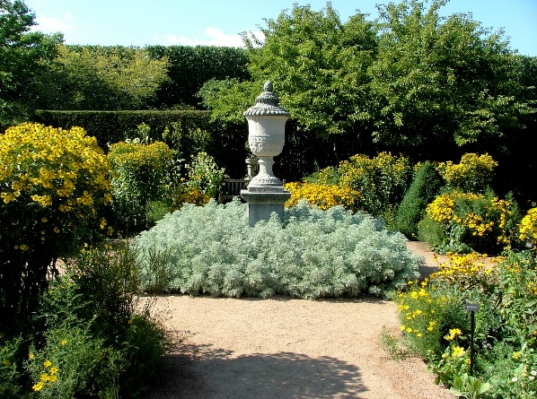 english garden designs on So If You Are In Search Of An Idea  The English Garden Design Is A